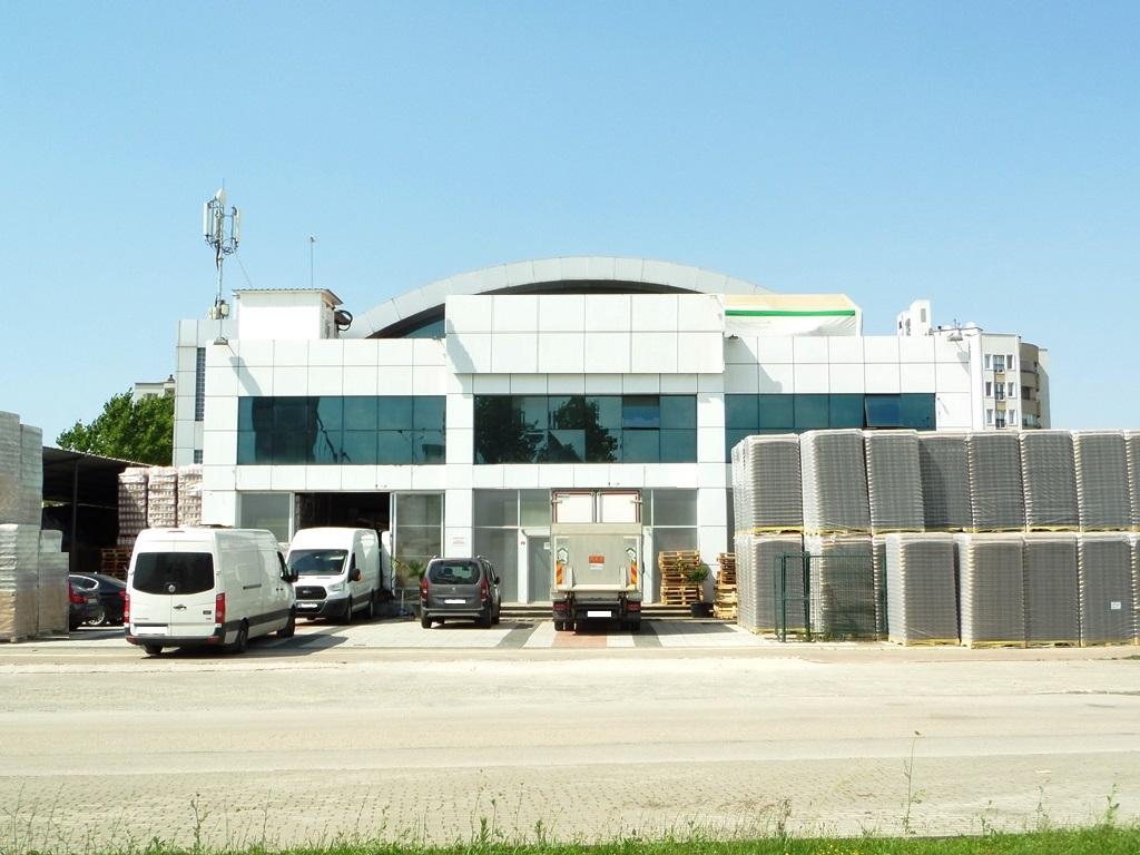 İzmir Yolu Üzerinde Kiralık 3.100 m2 Dükkan-İşyeri